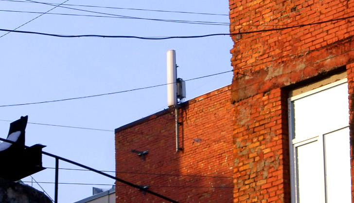 Антенны базовой станции TELE2 на Лиговском проспекте